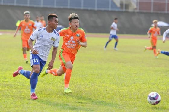 Huế bị Phù Đổng FC cầm hòa trên sân Tự Do. Ảnh: Hữu Thành
