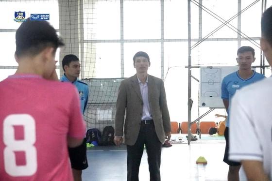 Thái Sơn Bắc vào 'cái nôi' của futsal Việt Nam tập huấn ảnh 1