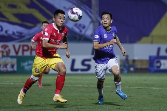 Hà Nội FC giành lại 1 điểm từ Hà Tĩnh ảnh 2