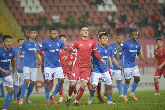 Cầu thủ Than Quảng Ninh bỏ tập vì bị nợ 8 tháng lương ảnh 1