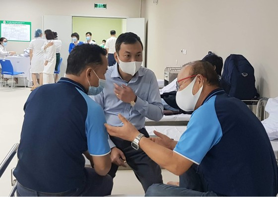 HLV Park Hang-seo được tiêm vacxin phòng Covid-19 ảnh 3