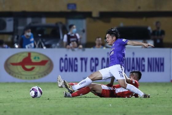 Viettel đánh bại Hà Nội FC trong trận đấu có 2 thẻ đỏ ảnh 1