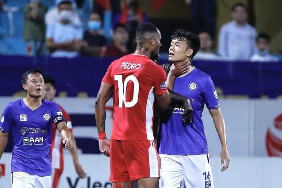 Viettel lần đầu thắng được Hà Nội FC kể từ khi thăng hạng. Ảnh: MINH HOÀNG