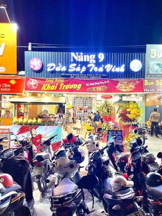 Huỳnh Như mở quán dừa sáp để quảng bá đặc sản quê Trà Vinh ảnh 1