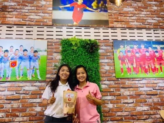 Huỳnh Như mở quán dừa sáp để quảng bá đặc sản quê Trà Vinh ảnh 2