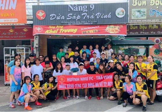 Huỳnh Như mở quán dừa sáp để quảng bá đặc sản quê Trà Vinh ảnh 5