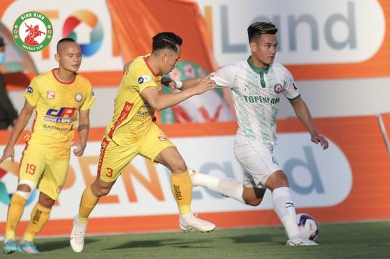 Quốc Phương lập công, Thanh Hóa giành trọn 3 điểm tại sân Quy Nhơn ảnh 1