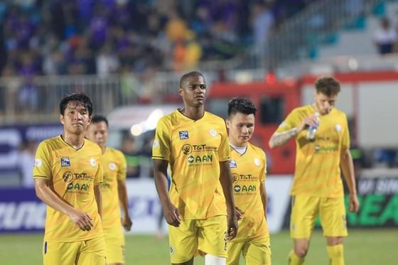 Hà Nội FC lại thay 'tướng' trước cuộc đọ sức cùng Topenland Bình Định  ảnh 1