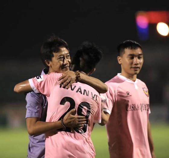 HLV Thành Công đã có trận thắng thứ hai cùng Hà Tĩnh. Ảnh: HTFC