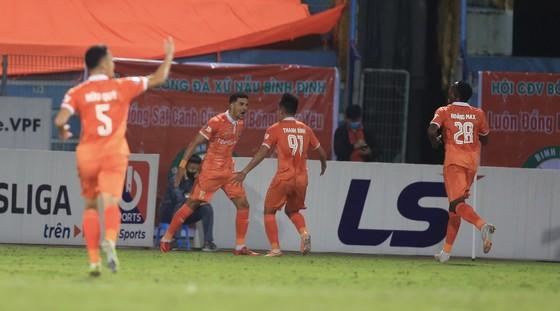 Chiến thắng gây sốc của Topenland Bình Định trước CLB Hà Nội ảnh 1