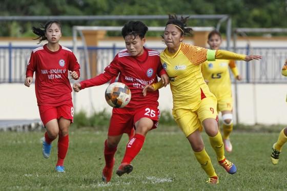 Huỳnh Như cùng TPHCM I giành ngôi đầu bảng B. Ảnh: MINH HOÀNG