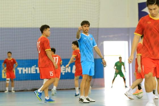 Thầy trò ĐT futsal Việt Nam vào cao điểm chuẩn bị tranh vé dự VCK World Cup ảnh 2
