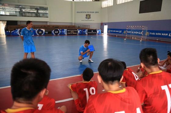 Thầy trò ĐT futsal Việt Nam vào cao điểm chuẩn bị tranh vé dự VCK World Cup ảnh 3