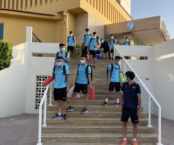 Tham tán Đại sứ quán Việt Nam tại UAE đến thăm đội tuyển futsal Việt Nam ảnh 5