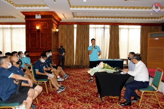 Đội tuyển Việt Nam thận trọng trước 'gián điệp bóng đá' ảnh 1