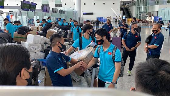 Đội tuyển Việt Nam lên đường sang UAE, thầy Park có yêu cầu đặc biệt với người hâm mộ ảnh 4
