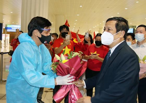 Đội tuyển Việt Nam âm tính với Covid-19, sẵn sàng bước vào tập luyện tại UAE ảnh 1