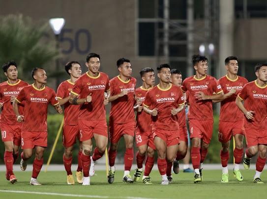 Đội tuyển Việt Nam sử dụng bóng mới ở buổi tập đầu tiên tại UAE ảnh 2