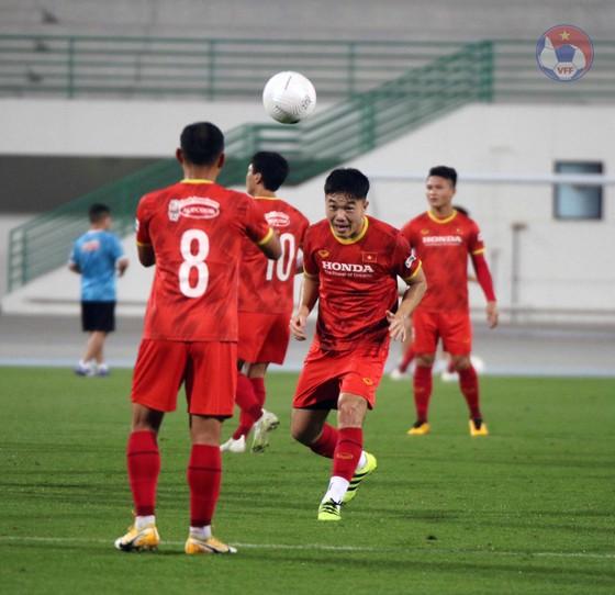 Văn Toàn: 'Đội tuyển Việt Nam đang có nhiều cầu thủ chơi tấn công hay' ảnh 2