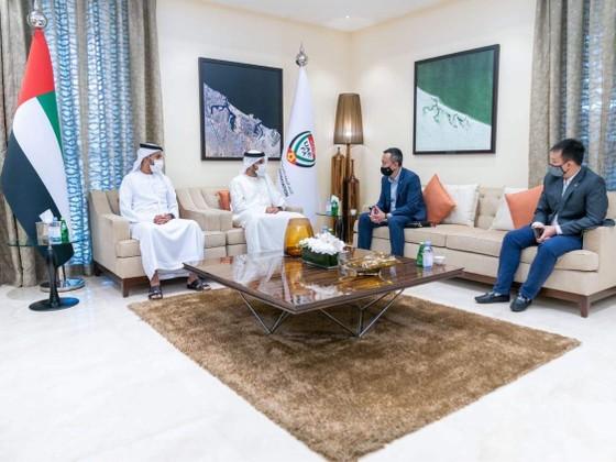PCT VFF ông Trần Quốc Tuấn tại buổi làm việc với Chủ tịch UAEFA ngài Rashid bin Humaid Al Nuaimi Chairman sáng ngày 31-5. Ảnh: ĐOÀN NHẬT