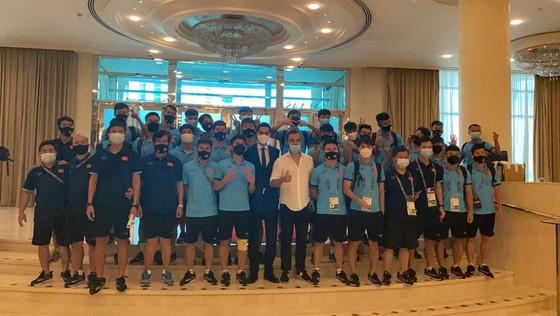 Đội tuyển Việt Nam đến khách sạn mới cùng 4 đội còn lại ảnh 1