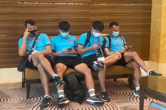 Đội tuyển Việt Nam đến khách sạn mới cùng 4 đội còn lại ảnh 6