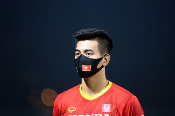 Tiền đạo Tiến Linh: 'Hy vọng hàng công sẽ giải quyết được vấn đề trước Indonesia' ảnh 4