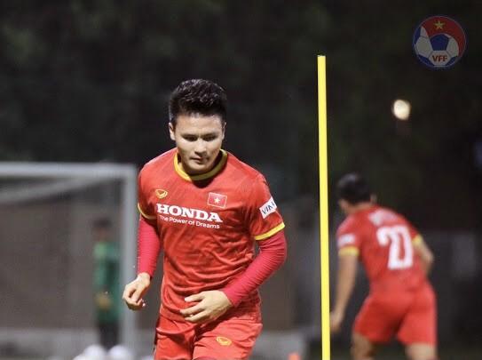 Đội tuyển Việt Nam rèn kỹ chiến thuật trước trận gặp UAE ảnh 1