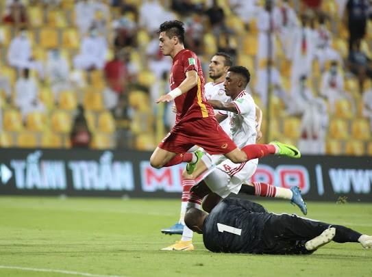 Bóng đá Việt Nam đang tiếp cận đấu trường châu Á. Ảnh: ANH KHOA