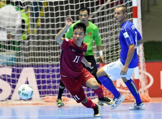 HLV Phạm Minh Giang: 'Thật tuyệt khi cầm sa bàn so tài cùng đội tuyển Brazil' ảnh 1