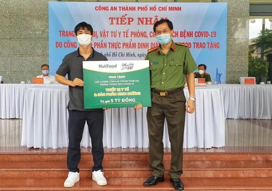 Quỹ Phát triển Tài năng Việt cùng Công Phượng tiếp tục đồng hành chống dịch ảnh 1