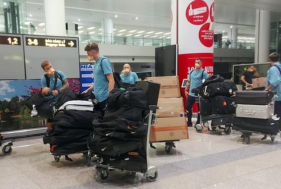 Đội tuyển Australia đến Hà Nội tối 4-9