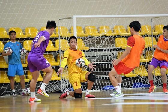 Đội tuyển futsal Việt Nam làm quen với khung giờ thi đấu ảnh 1