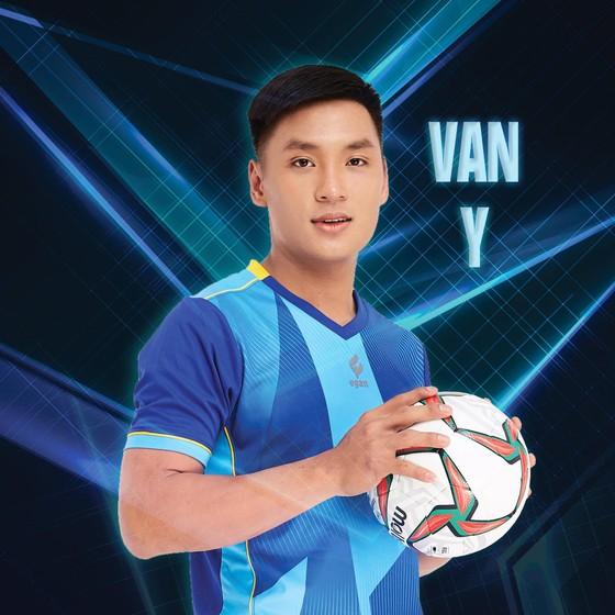 FIFA khen ngợi thủ môn Hồ Văn Ý ảnh 1