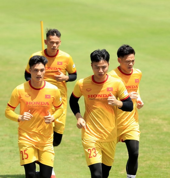 Tiền vệ Đức Huy tự tin trước trận gặp Trung Quốc ảnh 4