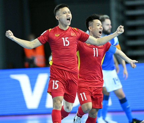 Đội tuyển futsal Việt Nam tăng 5 bậc sau khi vượt qua vòng bảng ảnh 1