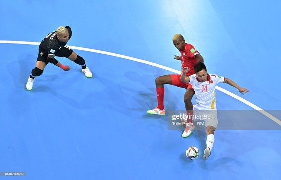 Nổ lực dẫn đến bàn thắng đẹp vào lưới đội Panama của Văn Hiếu. Ảnh: FIFA
