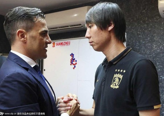 Canavaro trong một lần gặp gỡ Li Tie