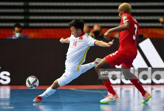 Siêu phẩm của Văn Hiếu đoạt giải bàn thắng đẹp nhất VCK futsal World Cup 2021