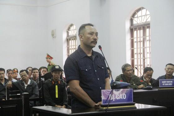 """Vụ xét xử Phượng """"râu"""": Ông trùm gỗ lậu lãnh án 8 năm 6 tháng tù ảnh 1"""