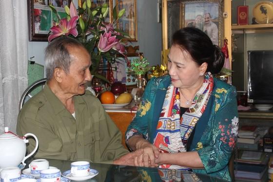 Chủ tịch Quốc hội Nguyễn Thị Kim Ngân thăm, chúc Tết cán bộ, chiến sĩ Bộ Chỉ huy Quân sự tỉnh Đắk Lắk ảnh 3