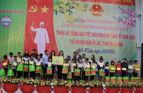 Phó Chủ tịch nước Đặng Thị Ngọc Thịnh thăm, chúc Tết tại Đắk Nông ảnh 2
