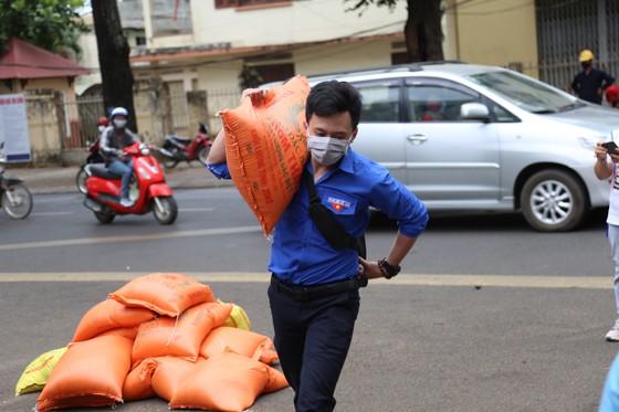 'ATM gạo' nghĩa tình ở Đắk Lắk  ảnh 6