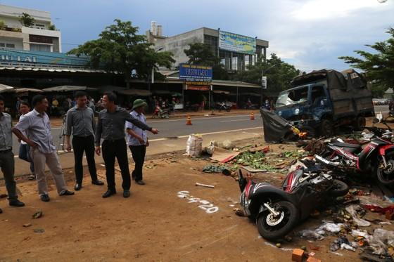 Tài xế gây vụ tai nạn liên hoàn ở Đắk Nông khai do xe mất thắng nên tông các xe cùng chiều để dừng lại ảnh 4