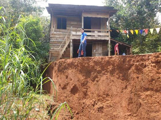 Sạt lở nghiêm trọng ở dự án đường ngàn tỷ ở Đắk Nông ảnh 2
