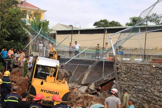 Đắk Nông: Sập bờ kè của Phòng CSGT một công nhân tử vong ảnh 2