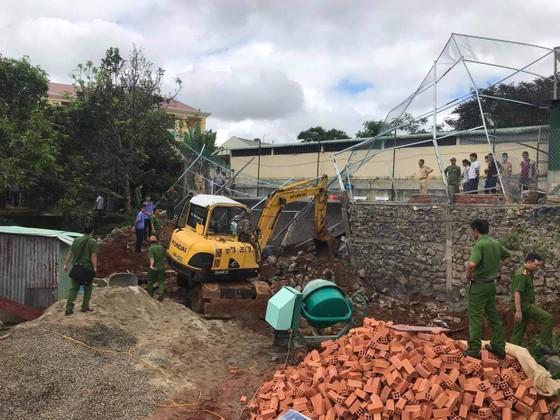 Đắk Nông: Sập bờ kè của Phòng CSGT một công nhân tử vong ảnh 3