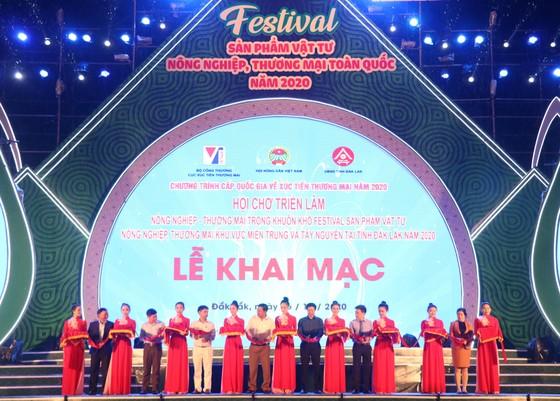 """Khai mạc Festival """"Sản phẩm vật tư nông nghiệp và thương mại toàn quốc năm 2020""""   ảnh 1"""