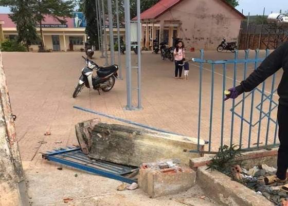 Vụ sập cổng trường ở Đắk Nông: Rà soát lại tất cả các công trình trường học ảnh 1