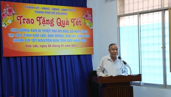 Lãnh đạo TPHCM thăm, chúc tết các Mẹ Việt Nam anh hùng, gia đình chính sách ảnh 2
